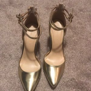 Gold heels size 7.5
